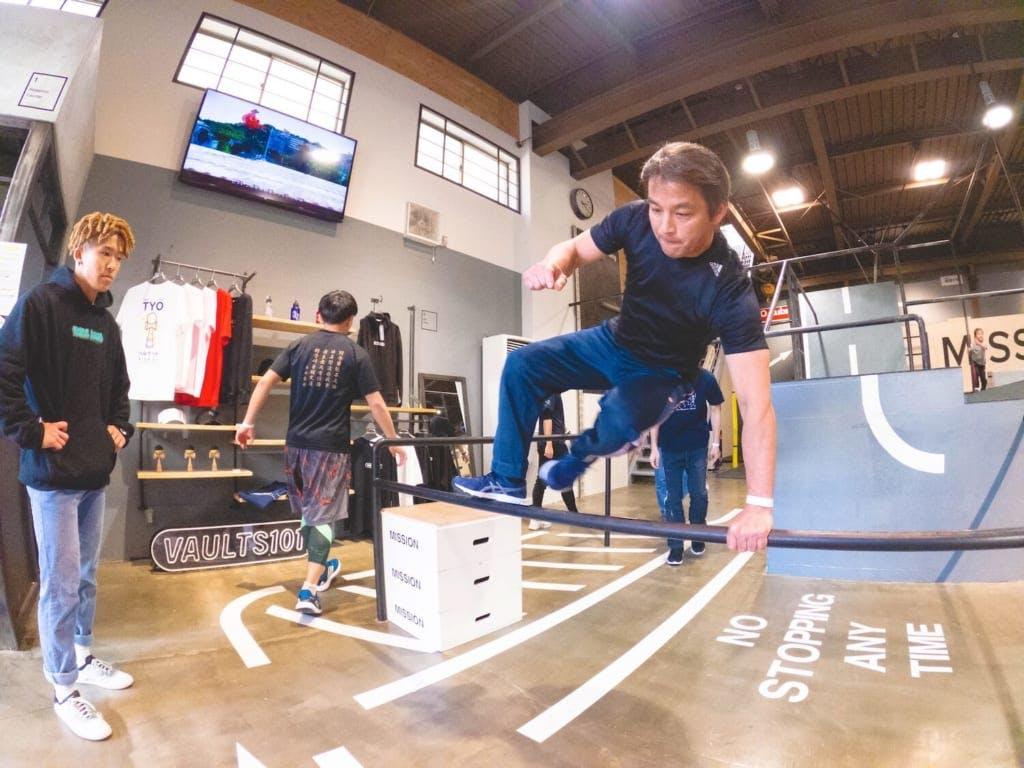 「ここではプレイヤーはもちろん小学生から50歳の生徒さんもスクールとして通われています」 / camera : GoPro Hero8