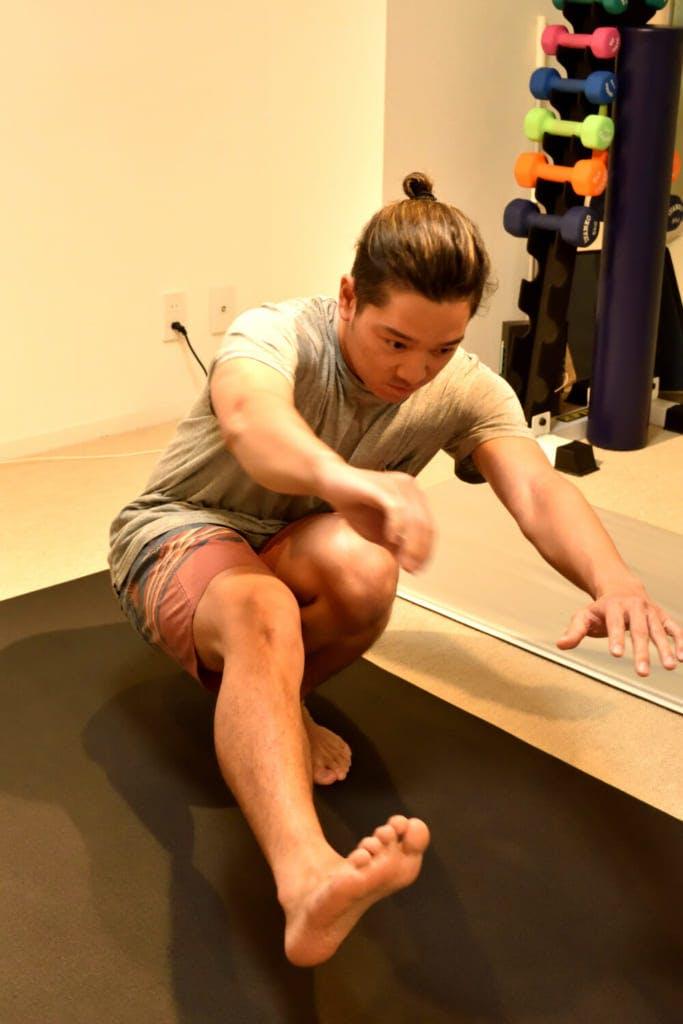 真剣な表情でトレーニングに打ち込む編集部員 / photo by Shuhei Kaneko